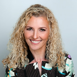 Dr Carmen Simon
